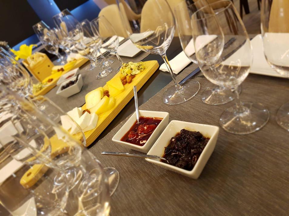 Harmonies 'Wine & Cheese'