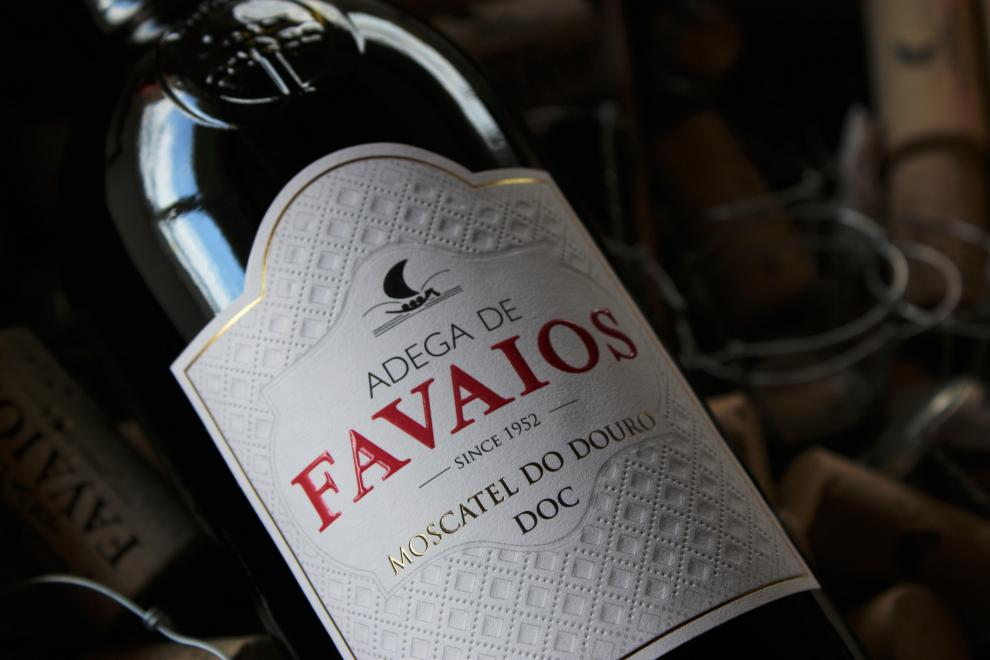 A Adega de Favaios assinala o ano de 2020 com a renovação do rótulo do Moscatel Adega de Favaios.