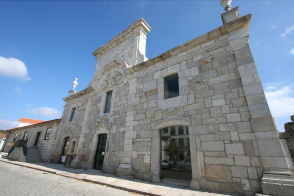 Adega e caves + prova de vinhos + visita ao Museu do Pão e do Vinho